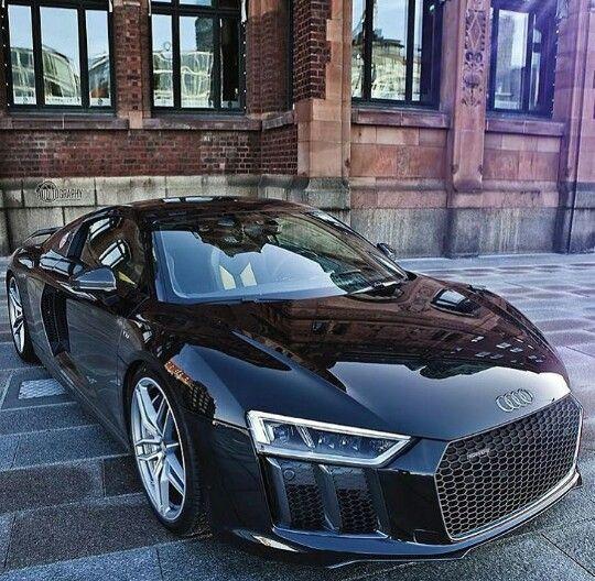 Awesome black R8