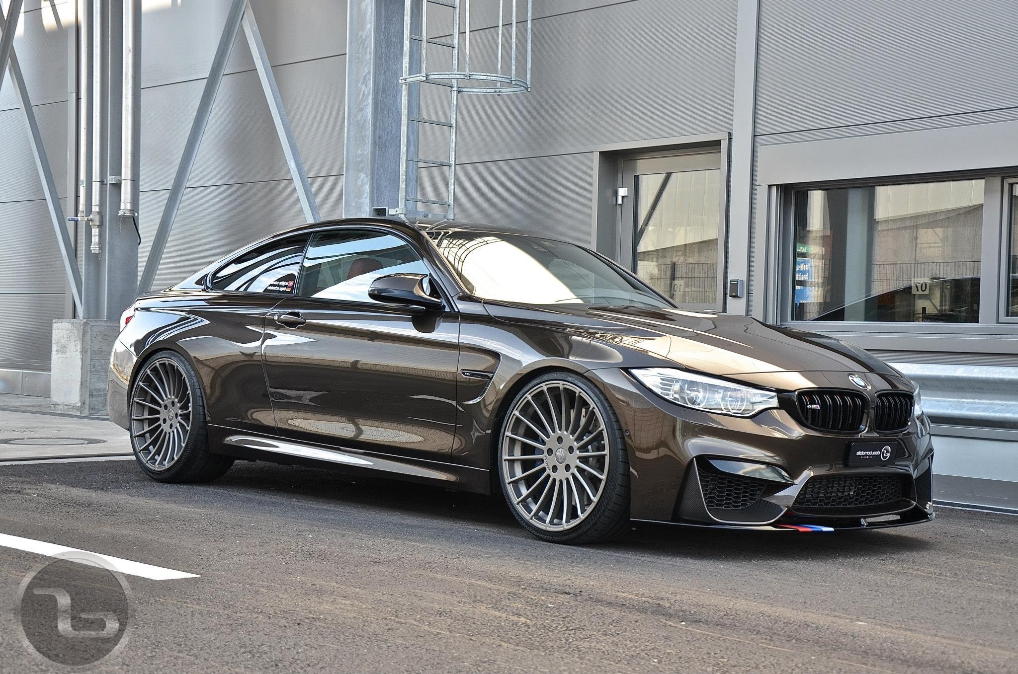Bmw M4 In Pyritbraun Metallic M Performance Trifft Individual