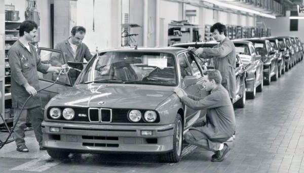 E30 BMW M3 production line